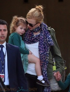 Nicole Kidman arrives in Sydney with daughter Faith and Sunday(not shown)