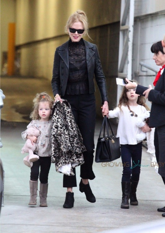Nicole Kidman touches down in Sydney with daughter Faith and Sunday