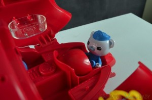 Octonauts Gup-X Rescue by Fisher-Price - Captain Barnicle