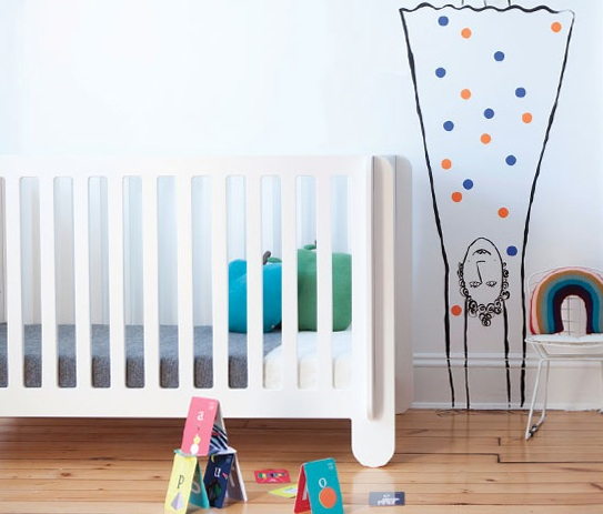 Oeuf NYC Elephant convertible Crib in the nursery