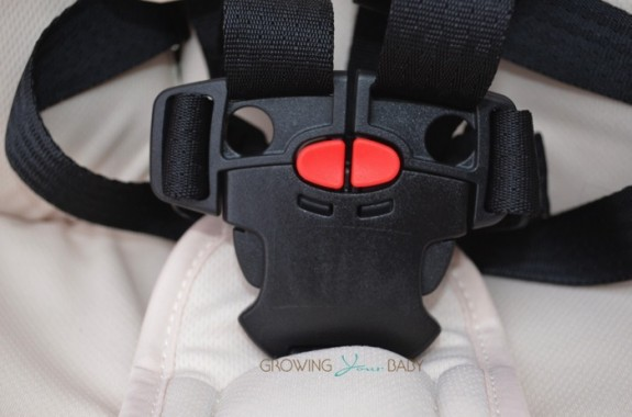 Orbit Baby G3 Stroller - buckle