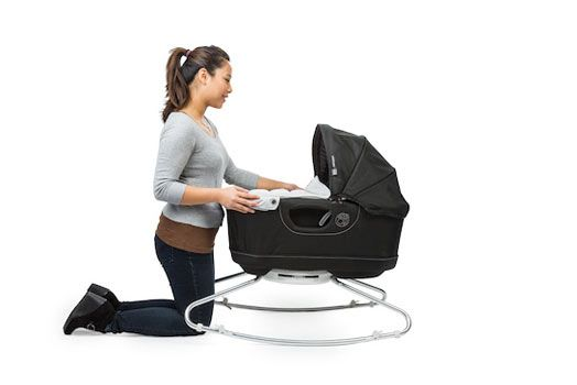 Orbit g3 bassinet with rocker