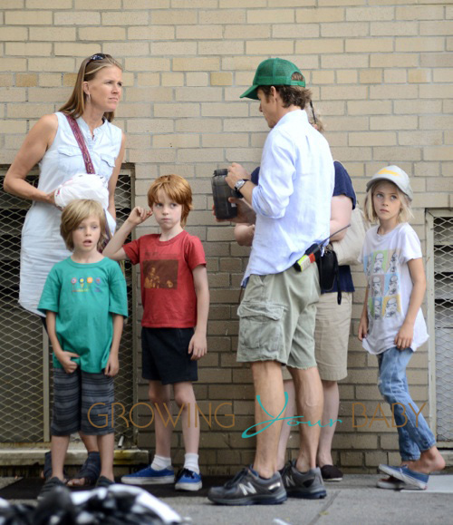 "Julia Roberts' Kids Visit ""The Normal Heart"" Set"