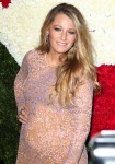 Pregnant Actress Blake Lively Golden Heart Awards