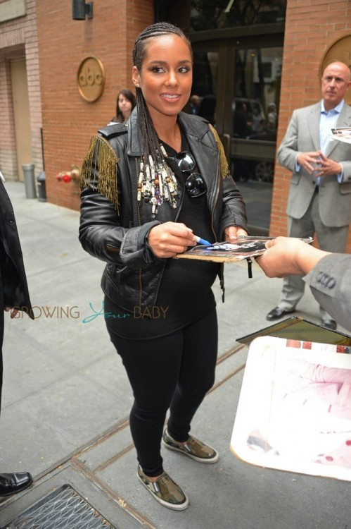 Pregnant Alicia Keys leaving The View