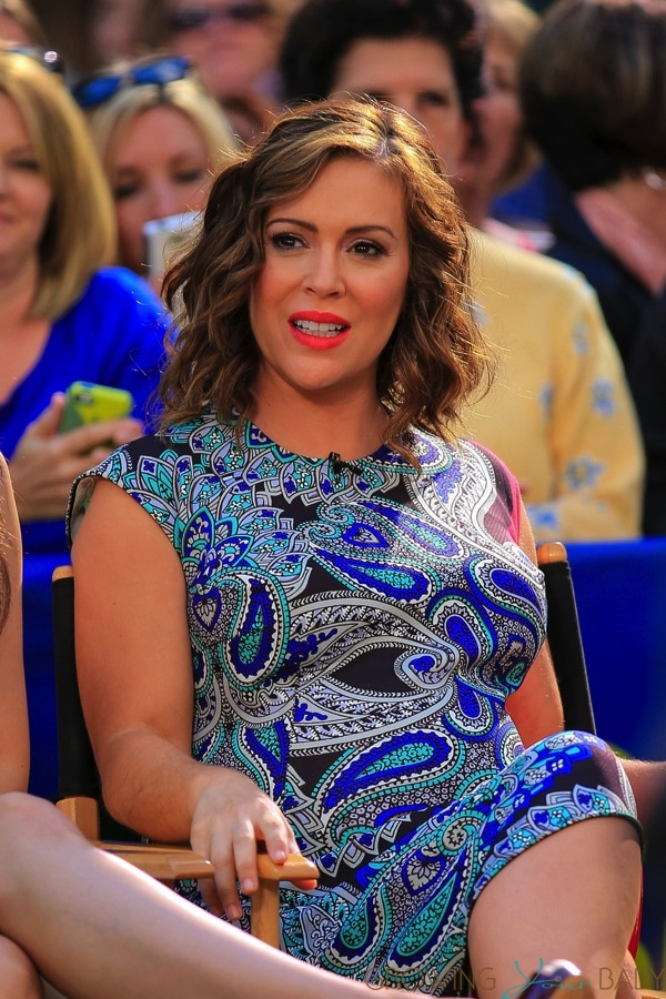 Pregnant Alyssa Milano Promotes Mistresses Growing Your Baby