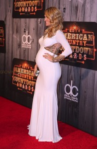 Pregnant Carrie Underwood on 2014 American Country Countdown Awards 2014