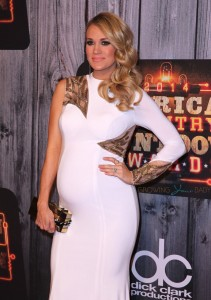 Pregnant Carrie Underwood on 2014 American Country Countdown Awards