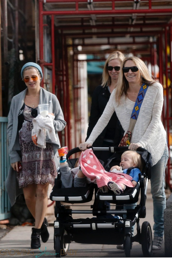 Pregnant Elsa Pataky Out With Friends And Family In La