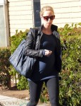 Pregnant Emily Blunt leaves the gym in LA