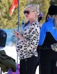 Pregnant Gwen Stefani @ Mammoth Mountain Ski Resort