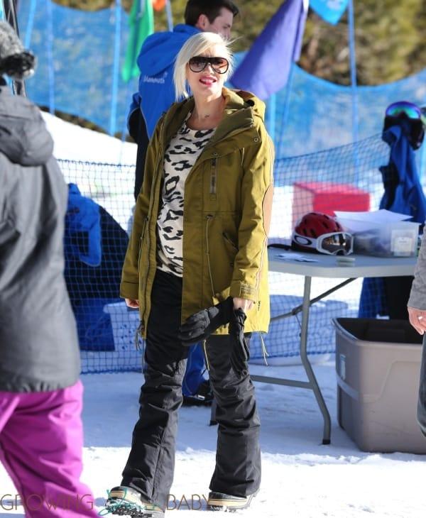 Pregnant Gwen Stefani at Mammoth Mountain Ski Resort