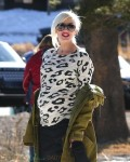 Pregnant Gwen Stefani at Mammoth Mountain Ski Resort