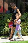 Halle Berry Picks Up Daughter Nahla Aubry From School