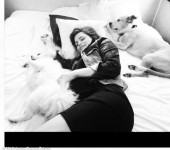 Pregnant Jenna Dewan in Channing Tatum's trailer London