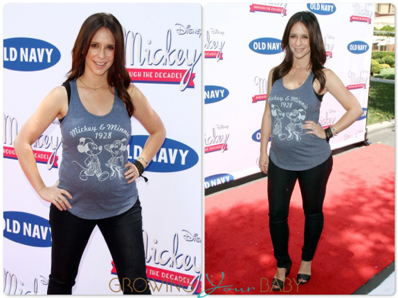Pregnant Jennifer love Hewitt at the Disney Old Navy Launch