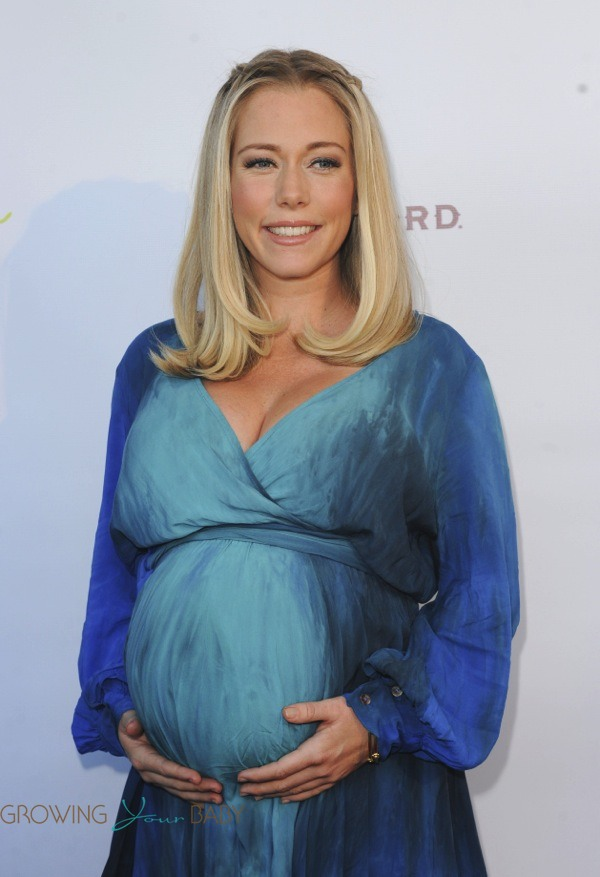 Pregnant Kendra Wilkinson Attends Ale By Alessandra