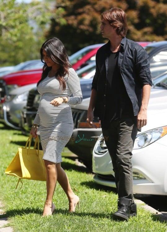 Pregnant Kourtney Kardashian out with Jonathon Cheban in the hamptons