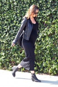 Pregnant Olivia Wilde out shopping in LA 2