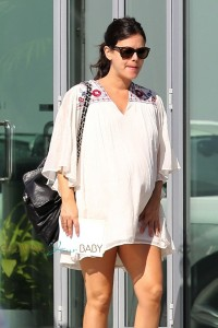 Pregnant Rachel Bilson steps out in Los Angeles