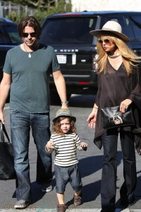Pregnant Rachel Zoe and husband Roger with their son Skyler Berman at the Brentwood Farmer's Market
