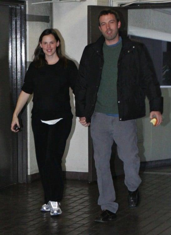 Pregnant jennifer Garner leaves the hospital with Ben Affleck after a checkup