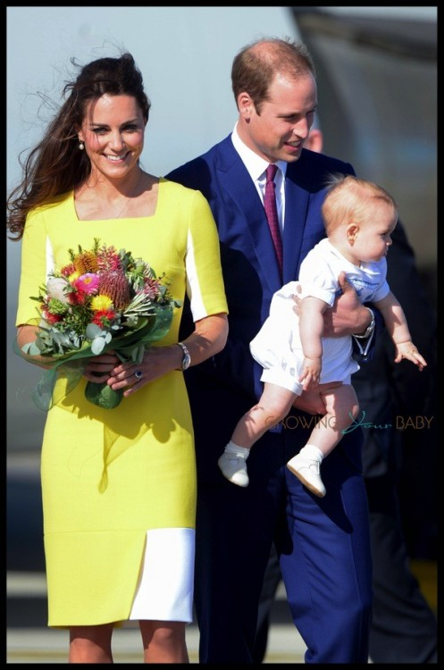 Prince William, Catherine & their son Prince George disembark at Sydney airport