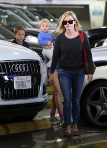 Reese Witherspoon shops in LA with her three children Deacon, Tennessee & Ava