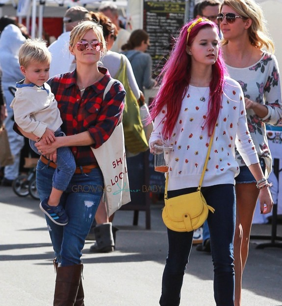 Reese Witherspoon with Ava Phillipe and son Tennessee Toth