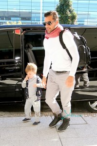 Ricky Martin Travels With His Sons Matteo & Valentino