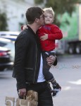 Robin Thicke shops with his son Julian