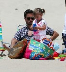 Scott Disick at the beach Hamptons with daughter Penelope