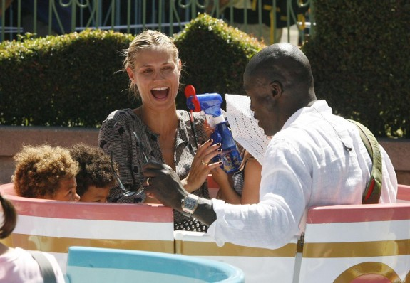 Seal and Heidi Klum take their children to Disneyland