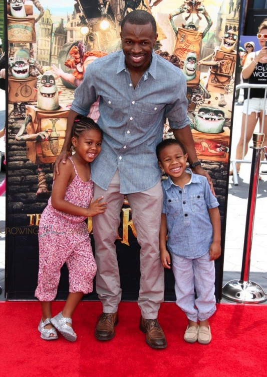 Sean Patrick Thomas with kids Luc and Laura at At Boxtrolls Premiere