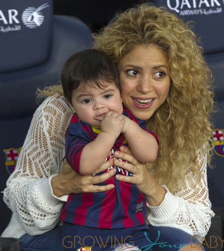 Shakira And Baby Son Cheer On Dad Growing Your Baby