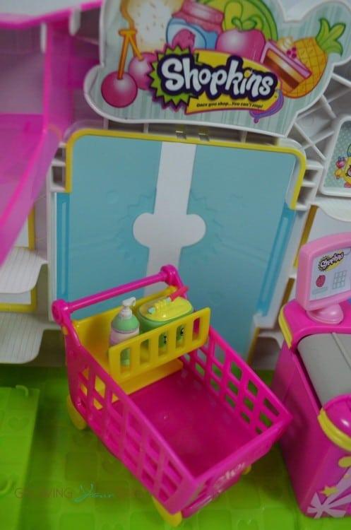 Shopkins small mart shopping cart