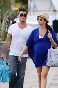 Simon Cowell and a very pregnant Lauren Silverman shop in Saint Barts
