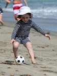 Skyler Berman at the beach with the Rossdale boys