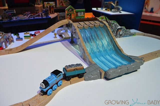 Britax Click Tight >> Thomas & Friends Wooden Railway Lumber Yard Waterfall ...