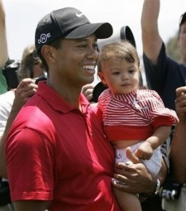 Tiger Woods Shares His Victory With Family
