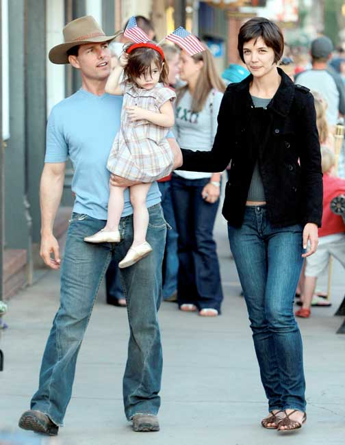 Tom Cruise and Katie Holmes celebrate the 4th of July with daughter Suri