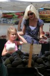 Tori Spelling with daughter Stella at the Malibu market