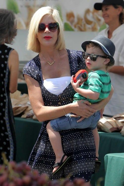 Tori Spelling with son Finn at the Malibu market