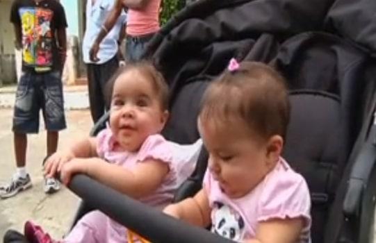 Twins in Havana, Cuba