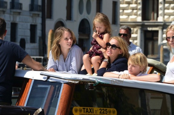 Uma Thurman cruises through Venice with kids Maya, Levon and Luna