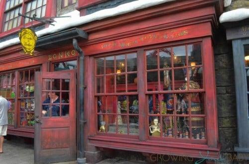 Universal Studios - joke shop