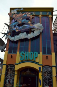 Universal Studios - marvel area shop