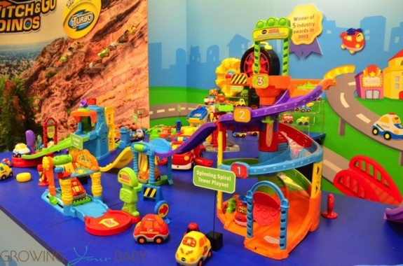 Vtech go go smart cars Ultimate Amazement Park Playset side view