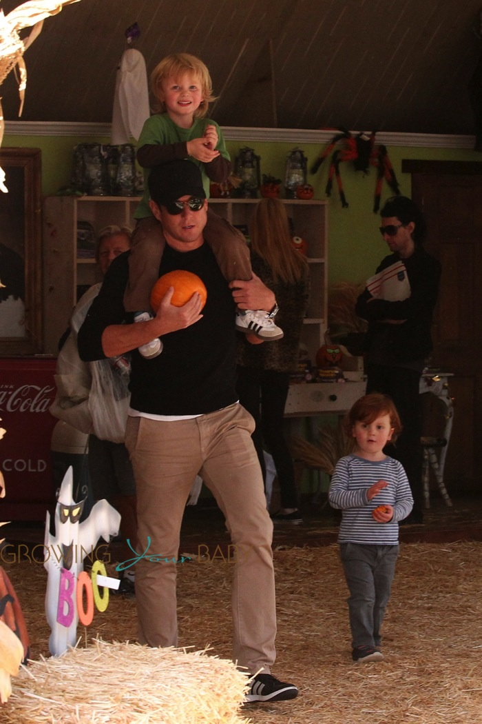 Will Arnett with his sons, Abel and Archibald at Mr. Bones Pumpkin Patch in Los Angeles