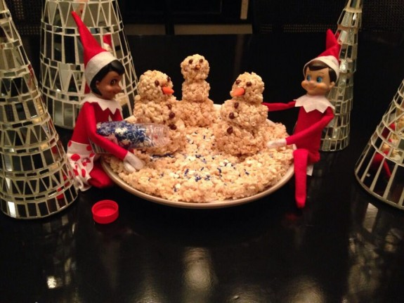 busy philipps elf of a shelf twitter